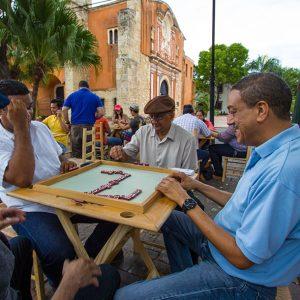 Convento-Dominicos-zona-colonial-juego domino