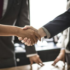 negocios acuerdo trato manos